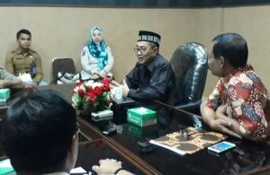 Rombongan Komisi A DPRD Tulungagung ketika diterima Sekda Lombok Barat, H Moh Taufiq, Selasa (6/3).