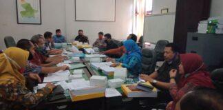 Komisi A menuntaskan pembahasan Raperda tentang Pertanggungjawaban Pelaksanaan APBD Tahun Anggaran 2019 bersama Bappeda Kabupaten Tulungagung, Selasa (7/7).