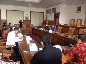 Gunawan sat menerima kedatangan pimpinan dan anggota Komisi A dan Komisi B DPRD Kabupaten Wonosobo.