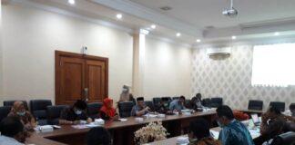 Pansus I DPRD Tulungagung melakukan pembahasan dua ranperda bersama Tim Asistensi Pembahas Ranperda Pemkab Tulungagung, Selasa (6/10).