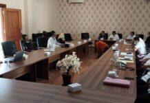 Hearing Komisi A bersama sejumlah OPD dan LSM Bintara tetap berlangsung meski terjadi pemadaman listrik PLN di Kantor DPRD Tulungagung, Rabu (13/1).