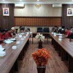 Wakil Ketua DPRD Tulungagung, Drs H Asmingi MSi, ikut hadir dalam hearing Komisi C terkait penutupan 16 toko swalayan berjaringan dekat pasar rakyat pada pekan depan, Senin (4/1).