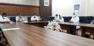 Sutaji dan Hari Winarno menerima kedatangan pimpinan dan anggota Komisi III dan Komisi IV DPRD Kabupaten Malang, Rabu (27/1).