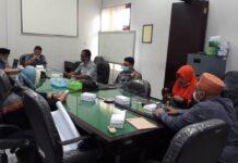 Ketua Komisi A DPRD Tulungagung, Gunawan, memimpin langsung rapat intern awal tahun 2021 di Ruang Komisi A Kantor DPRD Tulungagung, Senin (11/1).