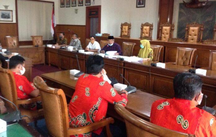 Komisi C Hearing dengan AKD