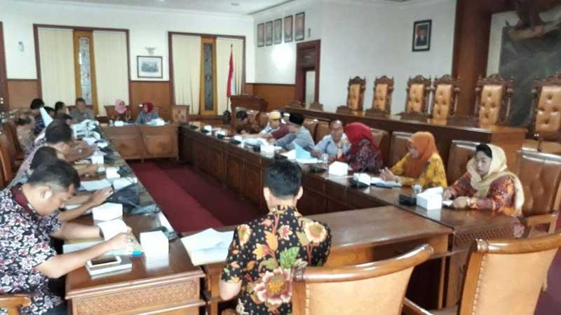 Mulai Bahas LKPJ Bupati Bersama OPD Pemkab Tulungagung | DPRD ...
