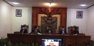 Rapat paripurna dengan agenda mendengarkan pidato kenegaraan Presiden RI dipimpin langsung oleh Ketua DPRD Tulungagung, Marsono, Jumat (14/8).