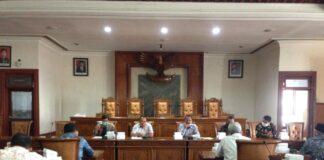 Pimpinan dan anggota Komisi A DPRD Tulungagung menerima secara bersamaan kedatangan rombongan DPRD Kabupaten Madiun dan DPRD Kabupaten Sukoharjo di Ruang Graha Wicaksana Kantor DPRD Tulungagung, Selasa (6/10).